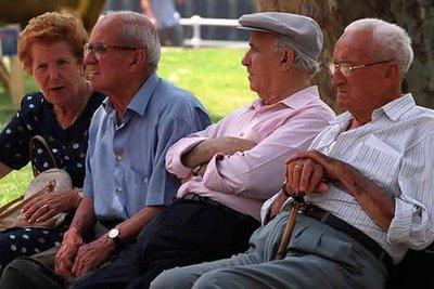Actualmente, más de dos millones de pensionistas viven por debajo del umbral de la pobreza. ¿Qué no sucederá cuando los efectos de la oleada de recortes golpeen de lleno las rentas de los pensionistas?