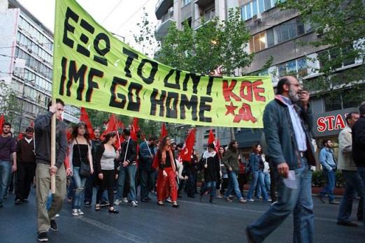 """La línea de KOE de constituir un """"Frente Democrático Popular"""" y, para ello, apoyarse ampliamente en las masas, fortaleciendo el movimiento popular, ha sido clave en la consolidación de Syriza como alterativa política a los planes de Washington y Berlín para Grecia."""