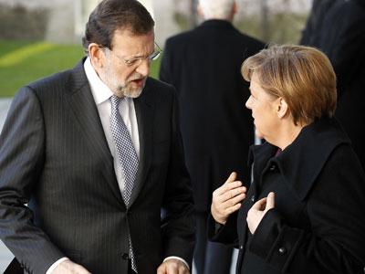 """""""No hay prestación sin contraprestación"""" afirmó Merkel al terminar la cumbre. Y las concesiones hechas a España tienen un alto precio. El FMI y Bruselas ya se las han hecho saber al gobierno, y Rajoy ha tomado buena nota al anunciar que """"habrá que tomar medidas difíciles en el corto plazo""""."""