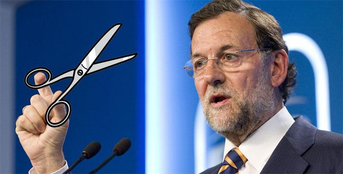"""Los recortes no pretenden """"cuadrar las cuentas de España"""", sino aumentar las ganancias de grandes bancos y monopolios a costa de todos nosotros."""