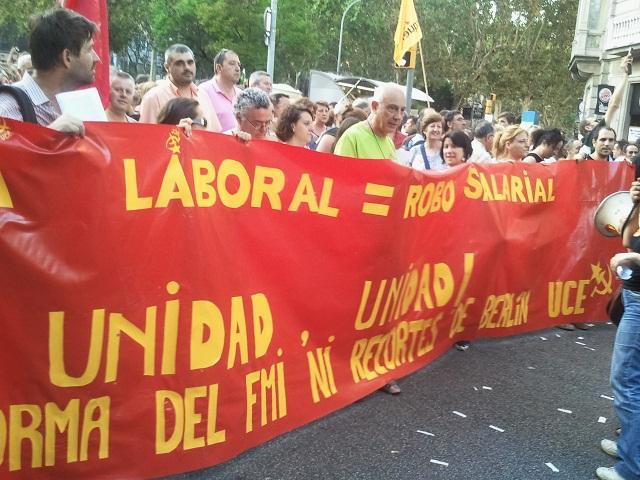 Bloque rojo de UCE en la manifestación del 19-J en Barcelona