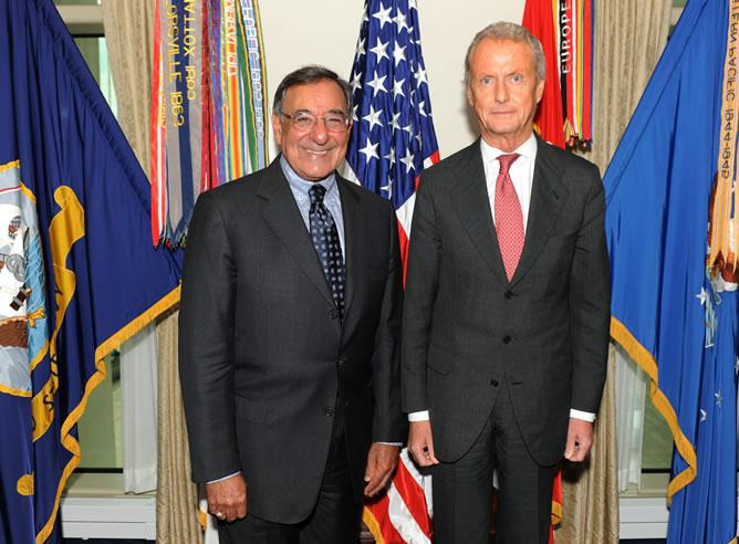 Pedro Morenés, ministro de Defensa español, junto al Secretario de Defensa norteamericano, Leon Panetta.