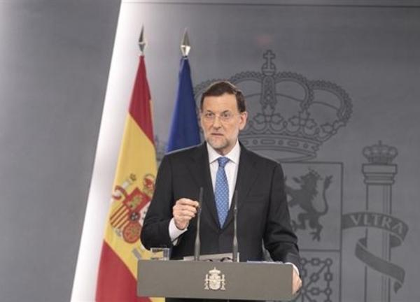 """Rajoy: """"No he tomado ninguna decisión"""" sobre pedir el rescate total. Ese es el problema, que las decisiones ya no se toman en Madrid, las toman directamente Washington y Berlín."""