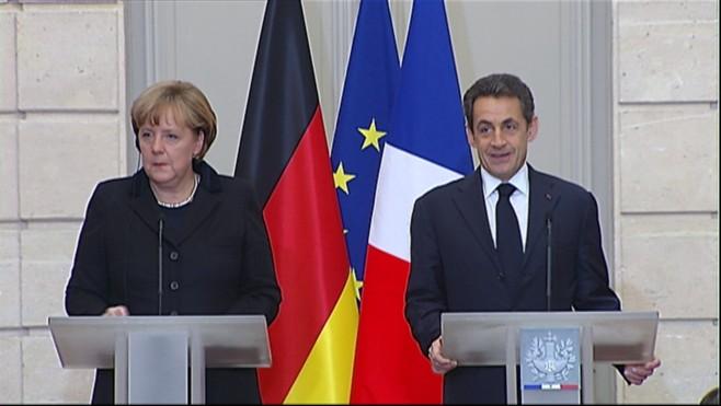 La imposición de la reforma constitucional en agosto del 2011, dictada por el FMI, Merkel y Sarkozy, y aprobada por el PSOE y PP, tenía un objetivo claro: garantizar que la banca extranjera cobraría la deuda por encima de todo.