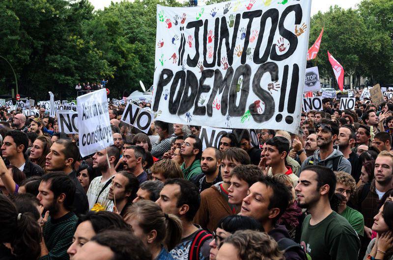 Ante sus intentos por dividirnos y enfrentarnos, impulsemos la más amplia unidad. Agrupando, desde la izquierda hasta la derecha, a todos los que se oponen a las políticas de recortes y empobrecimiento, dictadas por el FMI o el BCE y aplicadas por una clase política infame.