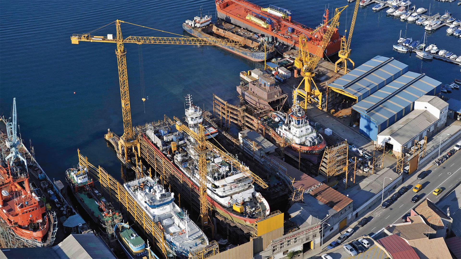 Esto es lo que necesita Ferrol y el sector de la construcción naval en nuestro país. Y esto es lo que proponemos las candidaturas De Verdad contra la crisis-Unificación Comunista de España. Por eso os pedimos vuestro voto el próximo 21 de octubre.