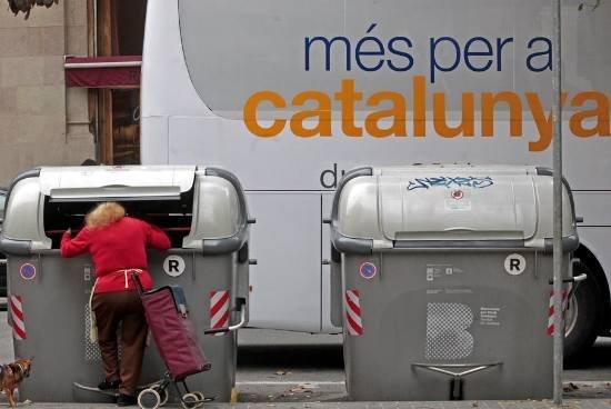 Señor Mas, déjese de milongas y cuéntenos donde ha ido a parar todo ese dinero que debía ser destinado a la sanidad, la educación y los servicios sociales. A lo mejor así podíamos empezar a conocer dónde esta el verdadero déficit que sufrimos los catalanes.