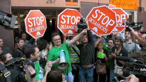 Jordi Agut, militante de UCE y miembro de Stop Desahucios en Tarrasa, intervino en el mitin de apertura de campaña para plantear nuestra alternativa ante la oleada de desahucios que a todos indigna.