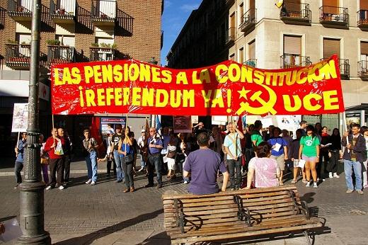 Súmate a las concentraciones que cada viernes estamos realizando ante cientos de ayuntamientos de toda España para promover un referéndum que reforme la Constitución y establezca legalmente que las pensiones no se tocan.