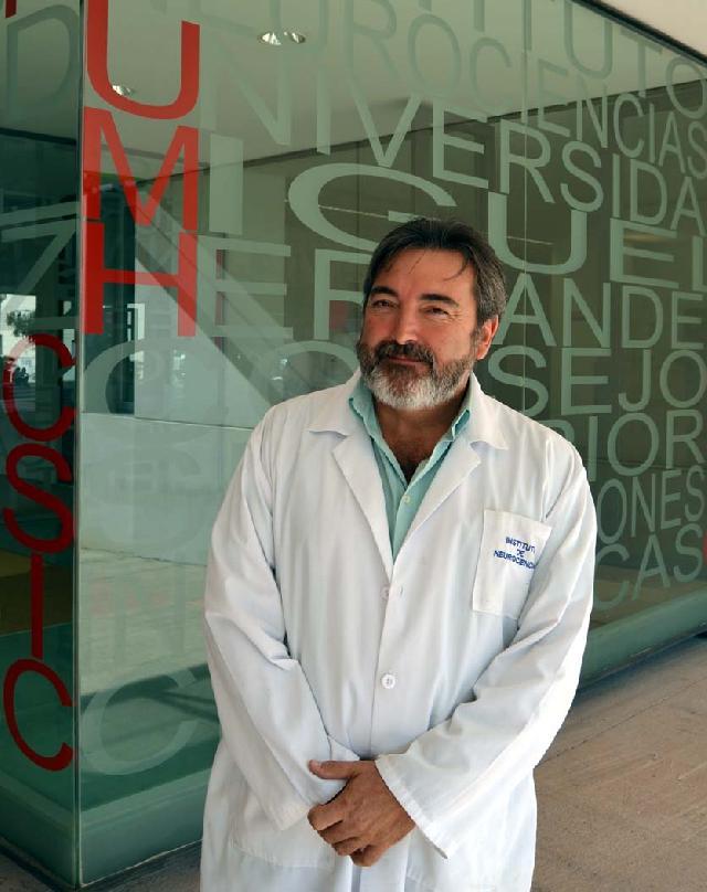 Salvador Martínez dirige el ensayo sobre el uso de células madre en pacientes con ELA
