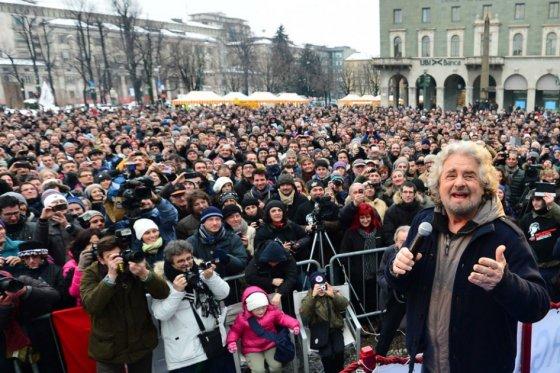 La mayoría de los italianos ha votado contra la política de intervención, austeridad y saqueo de Merkel