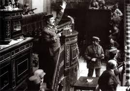 Tejero acabó fracasando porque el golpe para el que trabajaba había triunfado. Sustituyendo al neutralista Suárez por un Calvo Sotelo que nos metió en la OTAN.