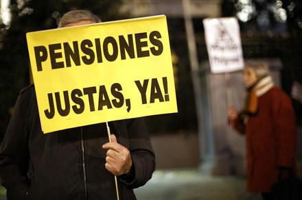 """Cada día está más claro que la batalla de las pensiones es el centro donde va a decidirse si España se """"desahucia"""" para """"rescatar"""" a Merkel y al FMI O si podemos avanzar por otro camino."""