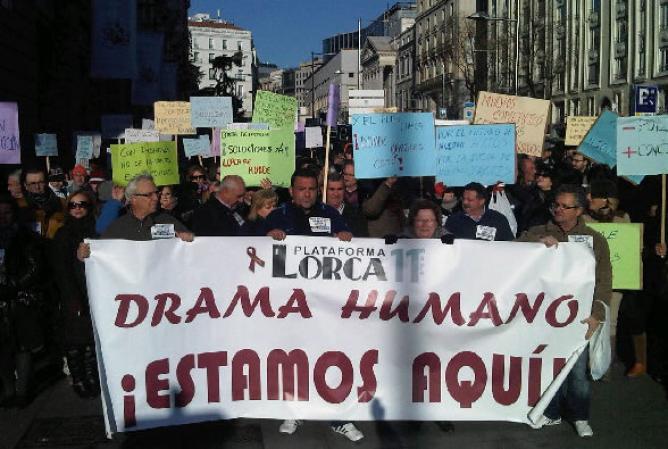 Miles de lorquinos y cientos de personas de otros lugares, se manifestaron por el centro de la ciudad exigiendo soluciones