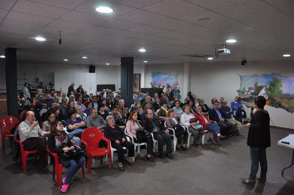 Asamblea de la Asociación de Vecinos el 11 de abril que rechazó el plan del Ayuntamiento.