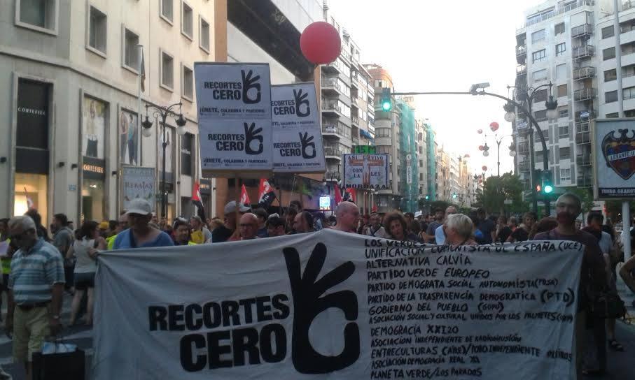 Pancarta de Recortes Cero, que participó activamente también con pancartas de mano que han supuesto un llamamiento a participar y a colaborar.