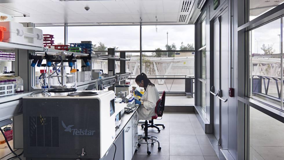"""Mélanie Durth es doctora de la """"Ecole Polythechnique"""", y una de las investigadores que han sido despedidos por el ERE al laboratorio."""