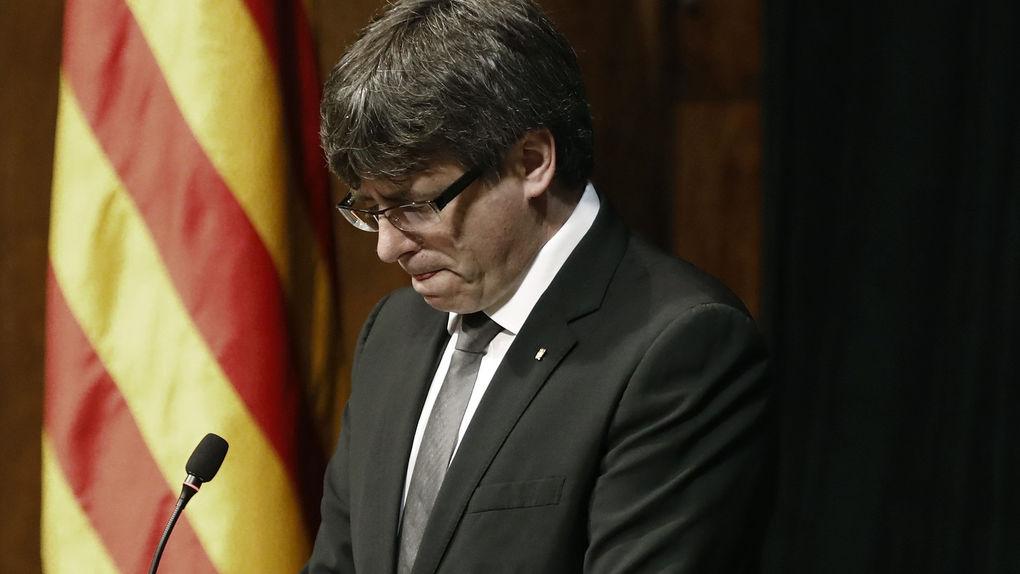 Sonoro paso atrás de Puigdemont