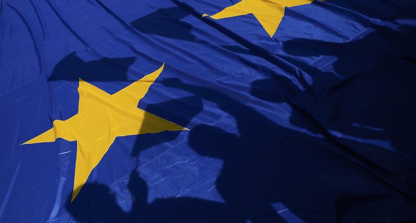 Europa: pendiente de un hilo