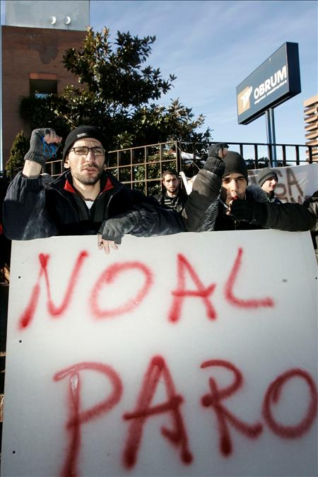 Manifestación de los trabajadores de la empresa de albañilería Romtectabi (EFE)
