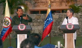 Chávez y Uribe ofrecieron una rueda de prensa conjunta desde Cartagena. (Foto: Prensa Presidencial)