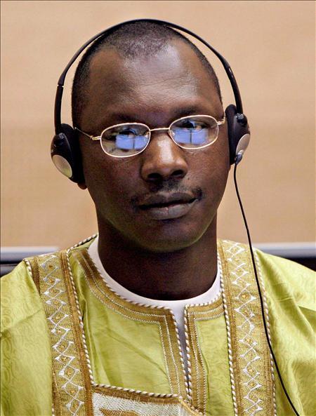Thomas Lubanga ante el Tribunal Internacional de Justicia en La Haya. Está acusado de escoger niños para sus filas por su vulnerabilidad y fácil seguimiento de órdenes. EFE