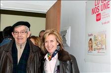 La presidenta de UPyD, Rosa Díez, y uno de los candidatos por Vizcaya en las elecciones al Parlamento Vasco, Tomás Tueros, fundador de CCOO en Euskadi.