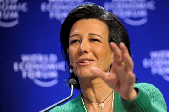 (Foto  Efe) Ana Patricia, hija de don Emilio, dijo ayer en Davos que fue una decisión amarga para el banco asumir 500 millones de pérdidas. Pues imagínese para sus clientes que han perdido 3.200 millones.