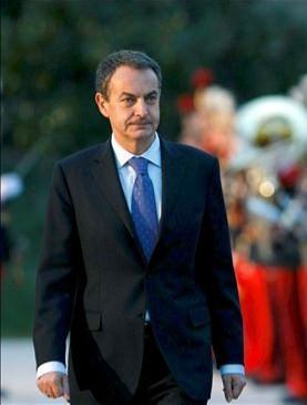 La silla cedida por Francia a Zapatero en Washington ha sido sin duda la más cara de la historia. La de Londres está por ver, los banqueros ingleses no tienen tanto que agradecer a Zapatero. (EFE)