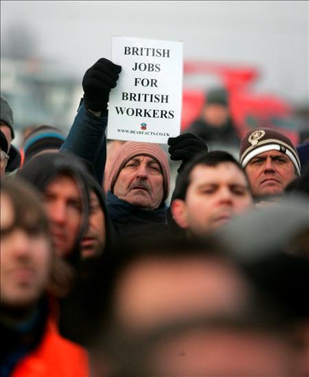 Manifestación de trabajadores ingleses en las que se vieron consignas xenofobas. EFE