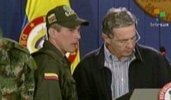 Uribe boicoteó el rescate de los cuatro soldados con vuelos del ejército. (Foto: TeleSUR)