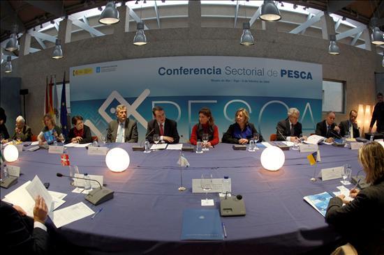 Vigo (PONTEVEDRA), 09/02/09.- La ministra de Medio Ambiente, Elena Espinosa, durante la Conferencia Sectorial de Pesca. EFE