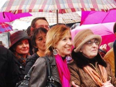 Presentación de las candidaturas de UPyD en Andoain, Rosa Díez y Pilar Ruiz, madre de Joseba Pagaza. Compañero de ¡Basta Ya! asesinado por ETA.