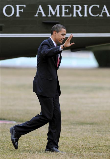 Las primeras semanas de su mandato, con un Obama aparentemente dubitativo, dejaron en el aire la incógnita de si el cambio prometido se trataba de algo más que un simple maquillaje