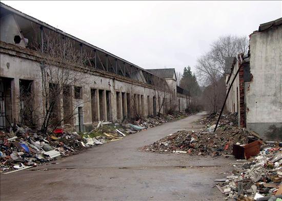 Béjar. La ciudad que fuera entonces considerada un referente nacional por sus paños, hoy presenta un paisaje textil desolador. Efe