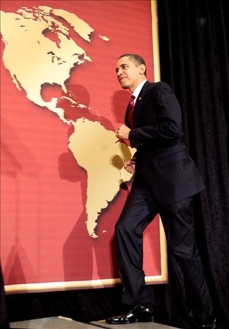 """Brezynsky describe que Obama ha asumido la presidencia """"en medio de una extensa crisis de confianza en la capacidad de Estados Unidos para ejercer su liderazgo efectivo en los asuntos mundiales"""". (EFE)"""