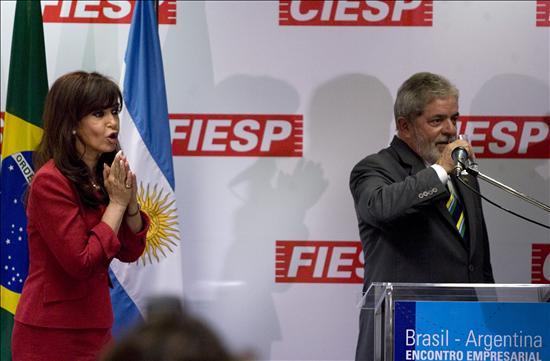El presidente brasileño, Luiz Inácio Lula da Silva , y su homóloga argentina, Cristina Fernández de Kirchner. EFE