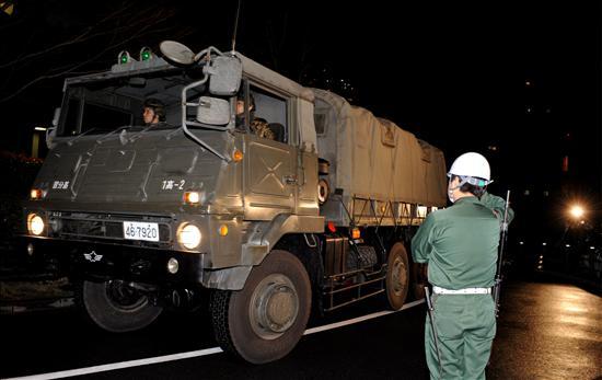 Un camión de las Fuerzas de Auto Defensa (Ejército) que transportan misiles Patriota de capacidades-3 avanzadas. EFE