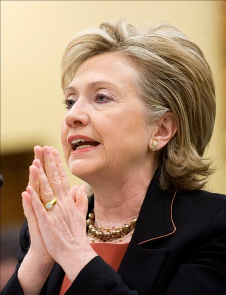 """Clinton """"advirtió"""" en el Senado de EEUU que los extremistas islámicos ganan terreno más allá de las provincias tribales y se acercan hasta Islamabad, capital paquistaní.(EFE)"""