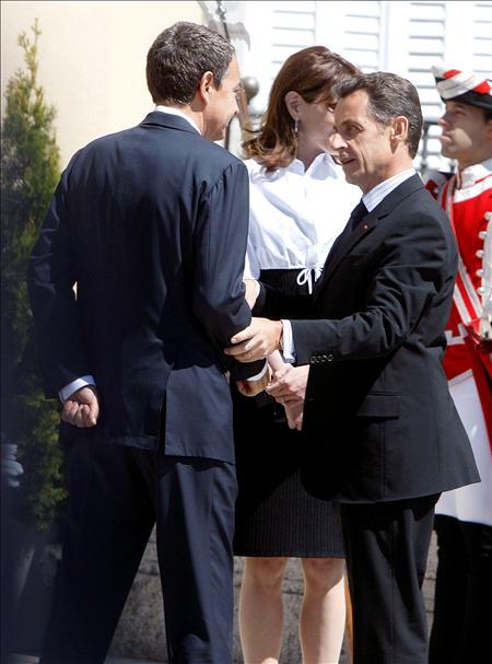 (EFE) El presidente Rodríguez Zapatero con el presidente francés, Nicolás Sarkozy. G-20 pero ¿aliados con quién?