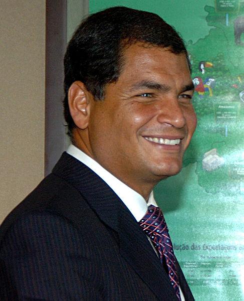 Correa al señalo que la medida constituye un paso para democratizar el manejo de las empresas estatales.