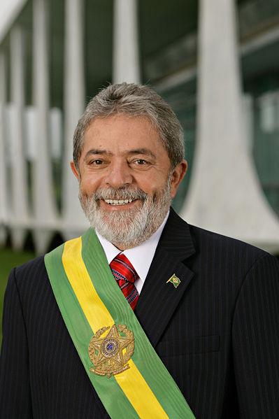 Lula da Silva, alcanzó un nuevo récord histórico de popularidad, al lograr una aprobación del 84 %, según una encuesta realizada en enero. Pese a las amenazas de una profunda crisis financiera y los nuevos números a la baja respecto de la producción económica del gigante sudamericano, con el 84 % de su aprobación el mandatario brasileño logró el nivel más alto para un gobernante en nueve años. No copyright