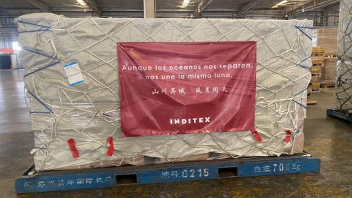 China dona un millón de mascarillas a España
