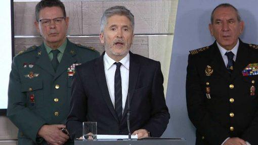 El ministro de Interior anuncia el cierro de fronteras terrestre.