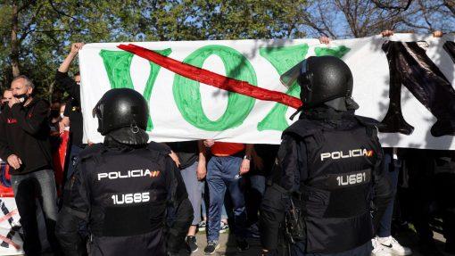 Protestas frente al acto de Vox en Vallecas
